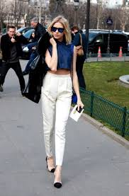 Stylish white pants ideas for ladies Style How To Style Ladies White Pants In 2017 21 Fashion Gum How To Style Ladies White Pants 2019 Fashiongumcom