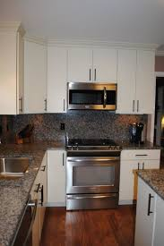 oil rubbed bronze pulls on white cabinets. white \ oil rubbed bronze pulls on cabinets