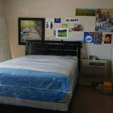 Universal Mattress and Furniture 153 s & 32 Reviews