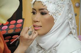 wedding bride makeup getting ready tradition