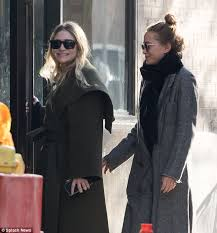 sweater weather styling twin sisters mary kate and ashley olsen showed off their city