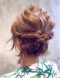結婚式の髪型ショートボブをお呼ばれ用に自分で簡単ヘアアレンジに