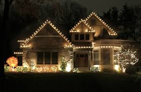 Image Clear Holiday Lights St Louis Postdispatch Dos And Donts Of Outdoor Holiday Lighting Home And Garden