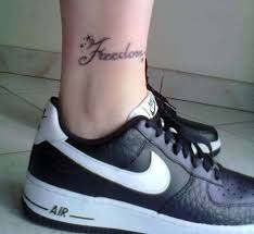 I Più Bei Tatuaggi Alla Caviglia In Una Esclusiva Foto Gallery
