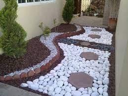 10 marvellous decorative garden design