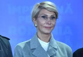Profesor universitar doctor chirurg şi docent, cercetătoarea Raluca Turcan