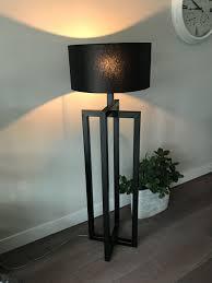 Zwarte Stoere Vloerlampwoonkamer Lamp Met Stalen Ge Poeder Coat