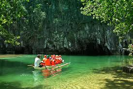 tourist in underground river palawan