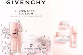 <b>L</b>'<b>Intemporel Blossom</b> от <b>Givenchy</b>: красивая молодая кожа без ...
