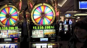 Off The Charts Slot Machine 5 Wheel Of Fortune Slot Machine Big Win At End 7 Bonuses