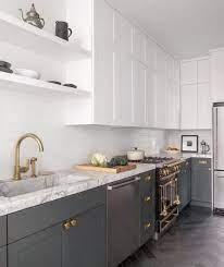Тук има модерна сива кухня, идеална за мъжки апартамент, където елегантността, икономичността на формите. Siva Kuhnya Za Stil U Doma Stranica 18 Rozali Com