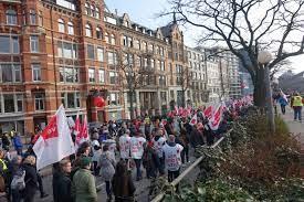 Jeder streik bedarf einer legitimierenden urabstimmung in der gewerkschaft.: Streik Wikipedia