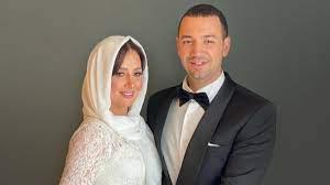 لأول مرة منذ أزمة الفيلم.. معز مسعود ينشر صورة جديدة لزوجته حلا شيحة مع  ابنته.. شاهد كيف ظهرت؟