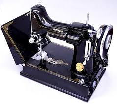 Vintage Singer Sewing Machine 1930