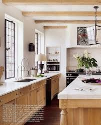 normally i do not like light wood but these kitchen cabinets are interesting wood l45