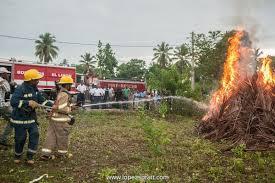 Resultado de imagen para fotos del cuerpo de bomberos de las terrenas en samana