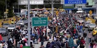 Resultado de imagen para venezolanos en el puente rumichaca