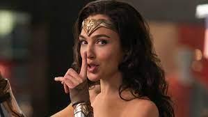 SORPRENDIDA - Gal Gadot confiesa que lloró la primera vez que vio Wonder  Woman 1984