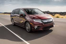 2018 chrysler town and country release date. perfect date 2018 chrysler town and country front view release date honda bread box  battle chrysler town country throughout release date c