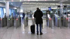 Coronavirus: la prolongation de l'interdiction des voyages non-essentiels  inquiète la Commission - Le Soir