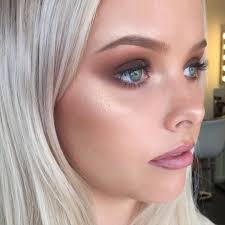 mia connor makeup artist on insram f r i y a y i have a big next couple of days getting you s ready for all your xmas patyayyyys an