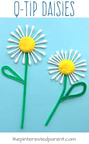 Q-tip Cotton swap daisies. Flower arts and crafts for kids. Great for