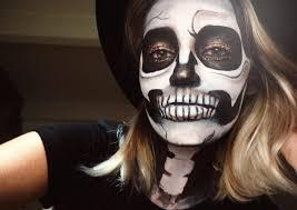 simple glitter skull make up tutorial