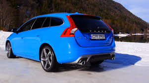 Volvo V60 R-Design review in snow with Volvo AWD and Drive-E ...