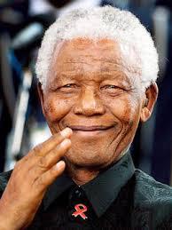Der Friedensnobelpreisträger und Anti-Apartheid-Kämpfer Nelson Mandela ist im Alter von 95 Jahren gestorben - Bilder von dem verstorbenen Nationalhelden. - Nelson-Mandela-11-dpa_gallery_348