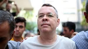 Pastör Andrew Brunson kimdir: Türkiye-ABD ilişkilerinde kriz yaratan davada  hüküm ve tahliye - BBC News Türkçe