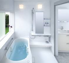 Extra long narrow bathtub