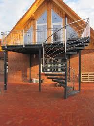 Auf treppen.de finden sie impressionen und informationen zum thema. Balkon Anbaubalkon Verzinkt Wendeltreppe Pulverbeschichtet Anbaubalkon Wendeltreppe Aussentreppe