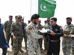 pak afghan border guards exchange eid gifts