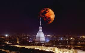 Eclissi di Luna 2019: dove vedere la Super Luna Rossa a Torino