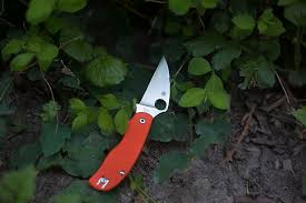 <b>Spyderco Urban</b> Safety Orange G-10 Slip Joint Knife Review
