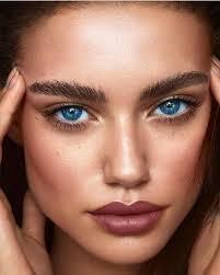 makeupartist natural doğal sade makeup makeuptutorial makyaj highlighter ruj eyemakeup eyeliner