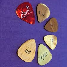 for me the rosewood and mahogany picks are usable while a bit brighter than the plastic pick they still sounded pleasant i still prefer the plastic pick