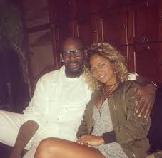 Photos of R. Kelly Rumored 19 Year Old Girlfriend Spark Jealousy.