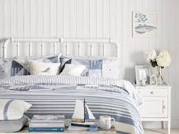 how to decorate your bedroom with a beach theme