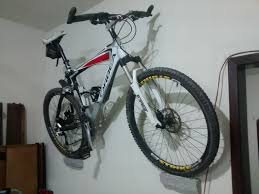 picture of inexpensive and minimalist bicycle wall mount