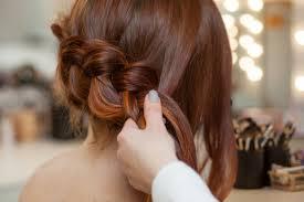 ミディアムヘア髪型だからできるかわいいヘアアレンジのおすすめ