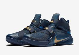 lebron velcro shoes. we\u0027ll update with more information as it\u0027s made available, but for now, you can buy the lebron soldier 8 flyease from nikestore $130. lebron velcro shoes