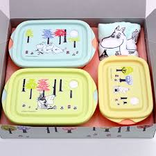 the tupper present which has a cute microwave oven ok made in gift set 1 500 yen skater food container hand towel gift set 2 000 yen mumin moomin forest