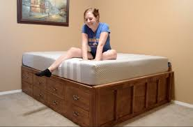 make a queen size bed with drawer storage