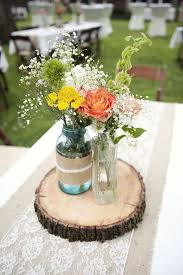 Table Decorations Using Mason Jars 100 Round Table Centerpieces in Different Styles EverAfterGuide 23