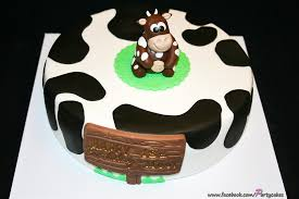 Happy Birthday Moo This Cake Was Ordered For A Birthday B Flickr