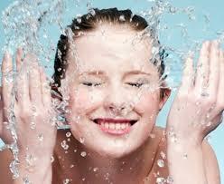 Hasil gambar untuk mencuci muka