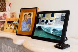 this digital frame will run automatically and play slideshows and can even forecast weather