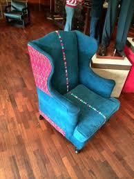 Sofa con tela típica de Guatemala