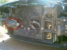 e39 aux fan service on but i have a question what the hell is that thing that is circled in red and howdo i get it off
